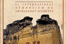Eskişehir'de 6. Uluslararası Arkeoloji Öğrencileri Sempozyumu Yapılacak / Bu yıl 24-27 Mart tarihleri arasında Anadolu Üniversitesi tarafından gerçekleştirilecek olan 6. Uluslararası Arkeoloji Öğrencileri Sempozyumu'nda, aynı anda iki farklı salonda birçok arkeoloji öğrencisi sunum yapacak.
