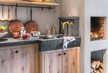 Landelijke keuken - Landelijk Wonen magazine / Een prachtige, landelijke keuken gestyled door styliste Marie Masureel voor het magazine Landelijk Wonen. Alle items zijn verkrijgbaar bij Walter Van Gastel. Fotograaf Claude Smekens