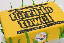 Bakery - Cake Decorating - Sports / by Tonya Vila