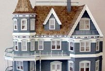 Doll houses! / by Hannie Shumaker