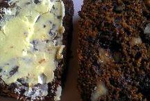 Date cakes