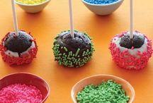 CakePops / by Carissa Martinez