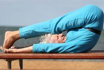 Yoga / Yoga met humor een lach en een traan.