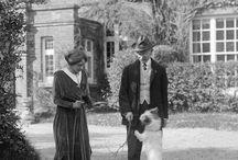 Thomas Hardy / Tablica powstała z mojej miłości do prozy wielkiego Anglika. Na tablicy przypięte będą zdjęcia archiwalne znalezione na Pintereście, oraz zdjęcia okładek mojego autorstwa oraz przypiete z innych tablic.