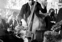 DOUBLE BASS ICONS / El Double Bass (Contrabajo) es el instrumento base de lo que después fue el Bajo Electrico. Mejorado al día de hoy, y conservado en su uso por estos íconos del Jazz de ayer y hoy...