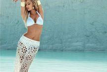 bikini poses