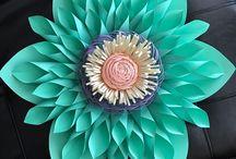 Flori din diferite materiale