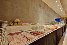 Rafaelhoteles Badalona / Rafaelhoteles Badalona es un hotel moderno de 142 habitaciones desde el que se divisan unas magníficas vistas de Badalona. Próximo al CCIB, al hospital Germans Trías i Pujol y al Instituto Guttmann.
