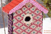 strikkede fuglehuse