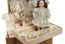 DOLLS presentation boxes trunks / by Diane Sanchez