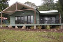 Accommodation / Kangaroo Valley Golf and Country Resort has cabins and villa options for our guests. Play and stay packages available