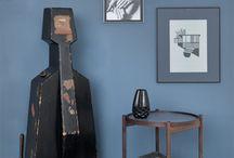 Hans Bølling Bakkeborde / Hans Bølling Bakkeborde Bakkebordet står i hjem verden over og er en ægte klassiker. Ofte bliver det omtalt som det originale bakkebord.