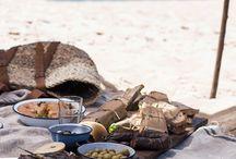 SLOW LIFE / tomar una taza de café y leer un libro, taparnos con una manta, largas veladas comiendo y bebiendo acompañado de los tuyos...