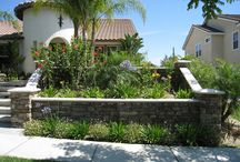 Captivating Retaining Walls / Best way to frame a yard space attractive , Retaining walls can be an way to frame a yard space, by providing a flat space for a patio, pool, spa or any sort of area that needs a flat area.