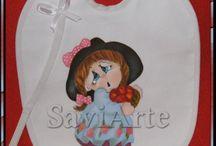 Babetes / babadores pintados à mão / peças para bébés https://www.facebook.com/conceicao.vidal