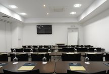 Meeting Rooms / The Queen's Gate Hotel offers two fully equipped meeting rooms for business events with a capacity of up to 30 persons each. Let us assist you in order to organise your congress, convention or business meeting
