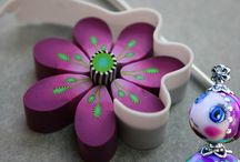 Cane fiore viola
