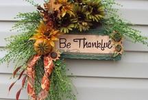 Wreaths, swags, garlands, festoons all seasons / by Darlene Romero