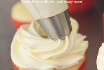 Cake Decorating Ideas / Ideas to make simple desserts seem a bit snazzier!