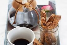 Biscotti, cookies and edible gifts / by Giulia Scarpaleggia