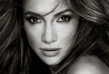 Les égéries / L'Oréal Paris a choisi des stars au glamour et au charisme incomparable qui inspirent les femmes du monde entier par leur style unique.