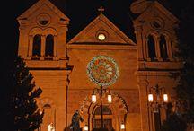 Santa Fe, New Mexico USA / Christmastime in Santa Fe.