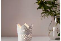 Κορνίζες & Κεριά