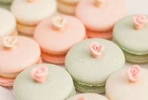 Macarons / Who doesn't love macarons?
