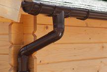 Kits Gouttière PVC | Brun / Les gouttières en PVC offrent une protection optimale contre les dégâts des eaux. Les eaux de pluie peuvent ainsi être évacuées directement ou être collectées par un récupérateur d'eau. Pour tous nos kits gouttières en PVC, différents types de gouttières disponibles: GD16, Extra100 et BG70.