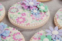 Decorated Cookies Using Chocolate