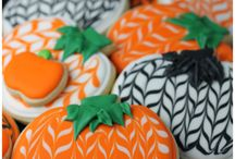Halloween Recipes + Ideas | Boo! / Halloween candy treats, Halloween recipes, Halloween party food appetizers, Halloween decorations and Halloween entertaining ideas. Craft ideas, fun activities, and party decor. Home decorating ideas for the porch and inside your home for your Halloween party table. Projects using mason jars, pumpkins, candy, and craft supplies will make your Halloween fun! Boo!