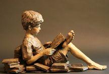 Bronze Statues / Andrea Mia de la Varga and others