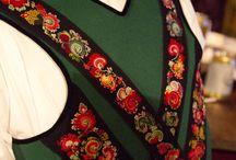 Folk Costumes / Bunader/Folkedrakter
