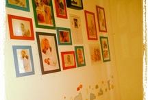Kinderzimmer Inspiration / Ein Kinderzimmer kann mehr als nur schwarz und weiß sein.