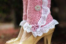 Crochet Sockies & / by Carol (ramblingoftherose.wordpress.com)