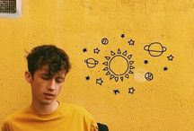 Yellow Troye