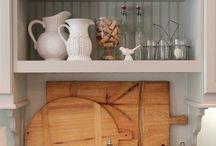 Above kitchen sink idea / Kitchen sink