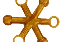 Hexichews / A funky chew and fidget toy in one. Approx 15 cm in total length. Six arms, 3 with balls and 3 with loops, allowing them to be linked to eachother or link the same one by bending across.  Wash in dishwasher, steriliser or warm water.