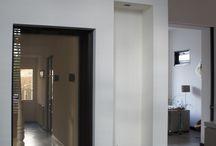 MoreFloors - mooie vloeren opgeleverd in Amersfoort / MoreFloors Vloeren Breda; Prachtige woning in Amersfoort voorzien van nieuwe vloeren. De combinatie beton siré met een eiken houten vloer zorgt voor een zeer unieke uitstraling!