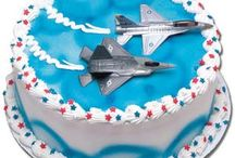 Fighter plane cakes / by Ellie Wahba