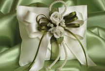 Yeşil çiçekli yastık