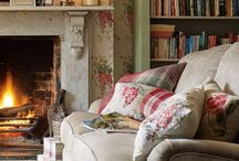English Cottage style homes / English cottage style design for interior walls, furniture, fabrics, gardens and more.