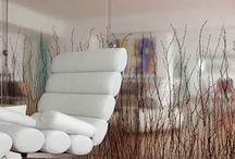 3form de Hunter Douglas / Paneles traslúcidos de eco-resina, con variados elementos en su interior. Selecciona un elemento, un color, una textura y un acabado,  para hacer de tu espacio algo único y sorprendente.  Paneles moldeables, en variados espesores  y formatos personalizados. Son para uso en espacios de interior.