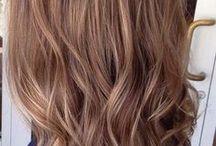 brunt hår med highlights