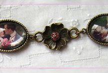 Romance / Piezas de Bisuteria y Complementos de estilo vintage realizados artesanalmente. Esta coleccion está inspirada en antiguas postales románticas
