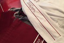 DIVISE / Divise da lavoro personalizzate con il marchio o logo dell'azienda per contraddistinguere i membri dello staff di ognuno