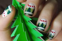Christmas Nails / by Angelina Sequeira