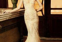 Vintage va va voom! / Vintage wedding dresses ahoy!