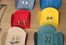 présentoirs bijoux / toujours à la recherche d'une nouvelle façon de présenter nos créations bijoux