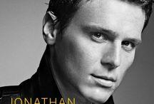Jonathan Groff / Looking